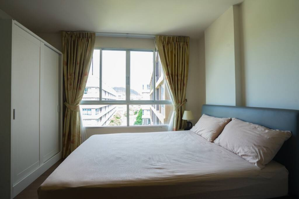 Bed Room With Nice View 6th floor , good weather
