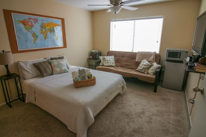 Master Suite Near Las Vegas Strip: You'll LOVE it!