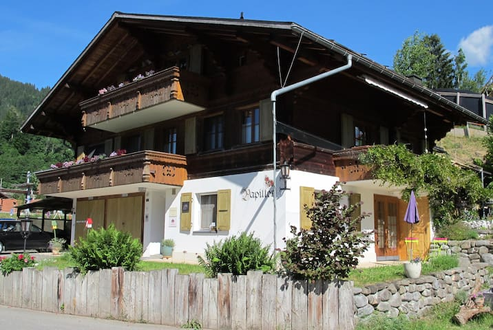 Gstaad, quiet 1.5-studio-apartment