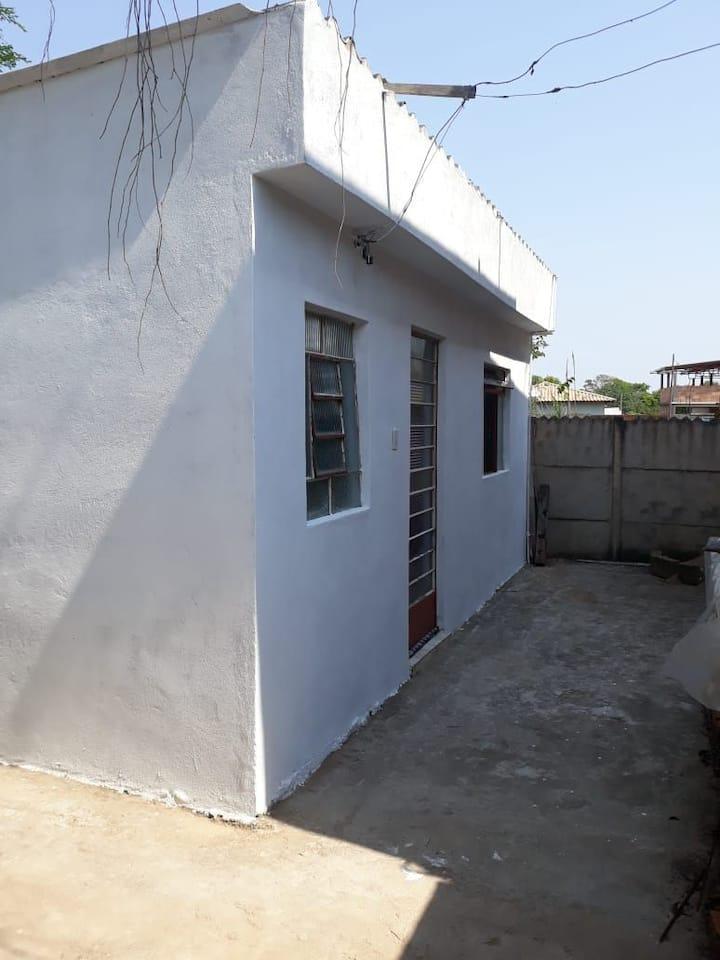 Casa inteira na Represa de Camargos - CAQUENDE