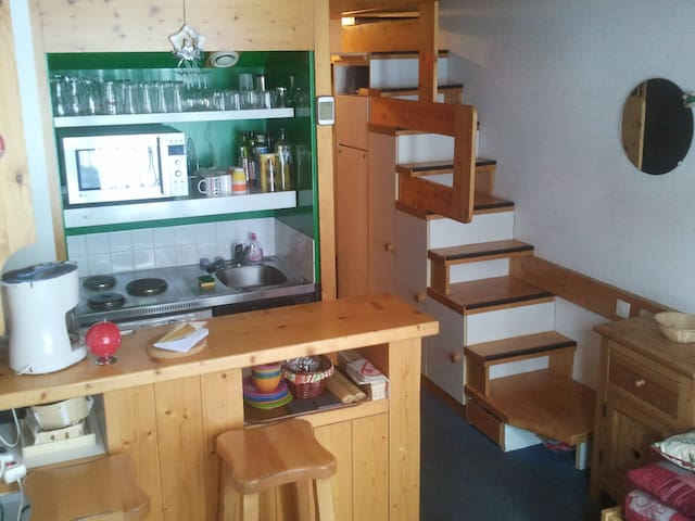 ARC 1800 Duplex apartment - close from lifts/shops
