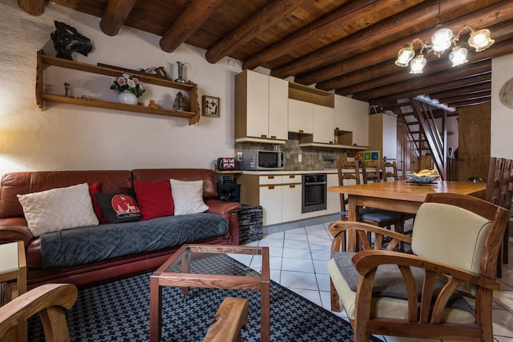Charming converted barn - LA TANiA Le formier - Chalet