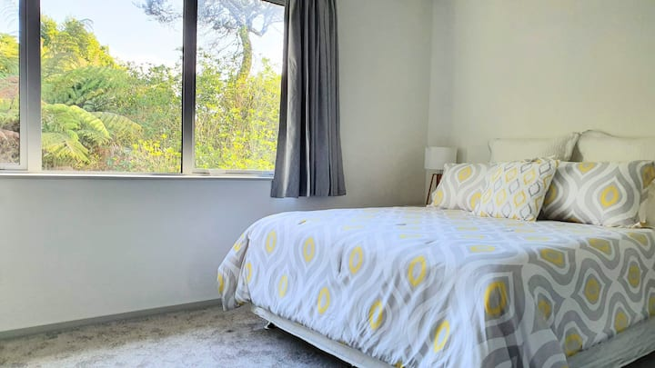 Private spacious room with ensuite