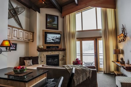 Timberline Ski-in/out~Pool~Hot Tub~Fireplace~Shuttle~Restaurant~Studio with Loft - (7 units) - All Unique