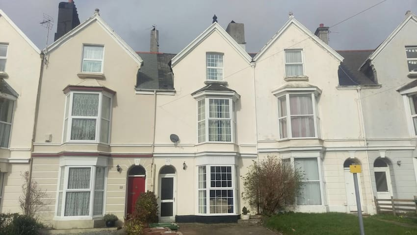 7 private rooms in house share (Room4) - Plymouth - House