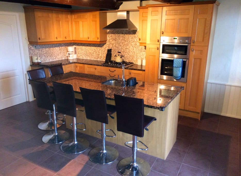 Modern hi-spec kitchen with granite worktops