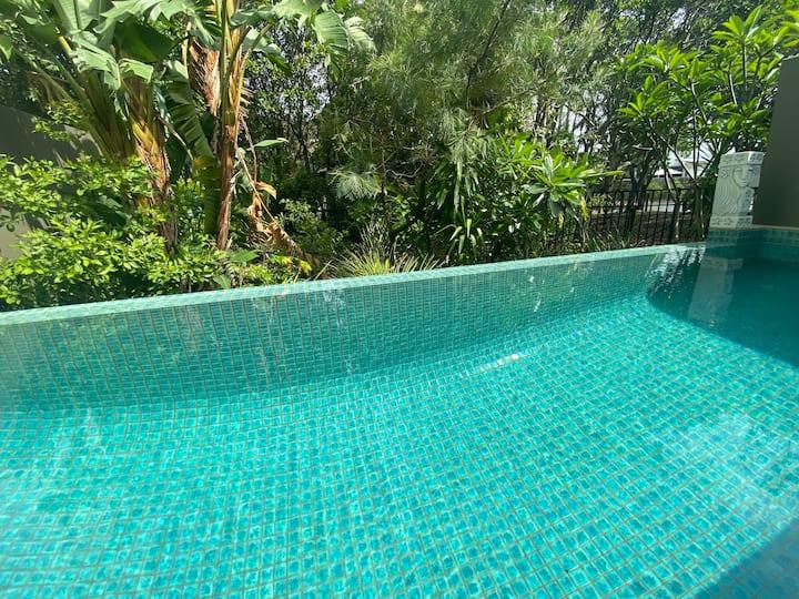 CASA BLUE - Direct Beachfront Private Pool Villa
