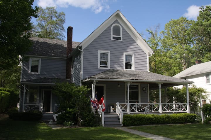 The River House - Pink Room - Barryville - Bed & Breakfast