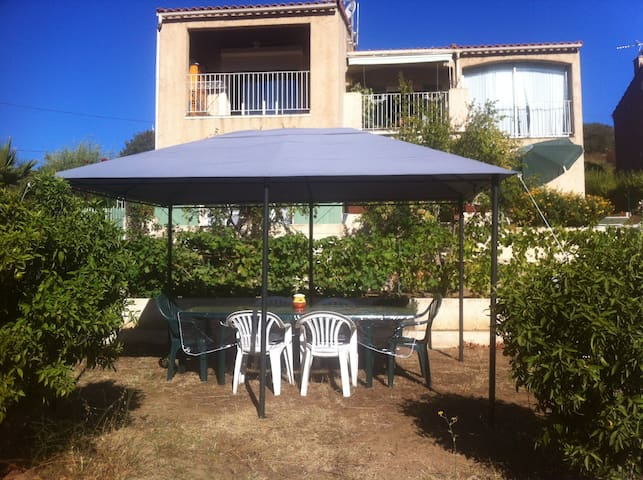 Superbe T2 de 55m2 dans villa - Santa-Reparata-Di-Balagna - Flat