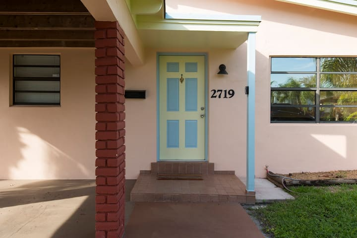 Front view of home. Old Florida style home welcomes you in from the street.  The nostalgia will captivate your heart.