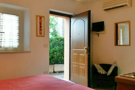 Couples' accomodation in countryside - Lanciano - Apartment