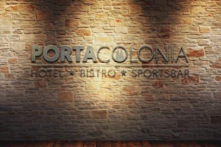 PORTA COLONIA HOTEL - Eschweiler - ที่พักพร้อมอาหารเช้า