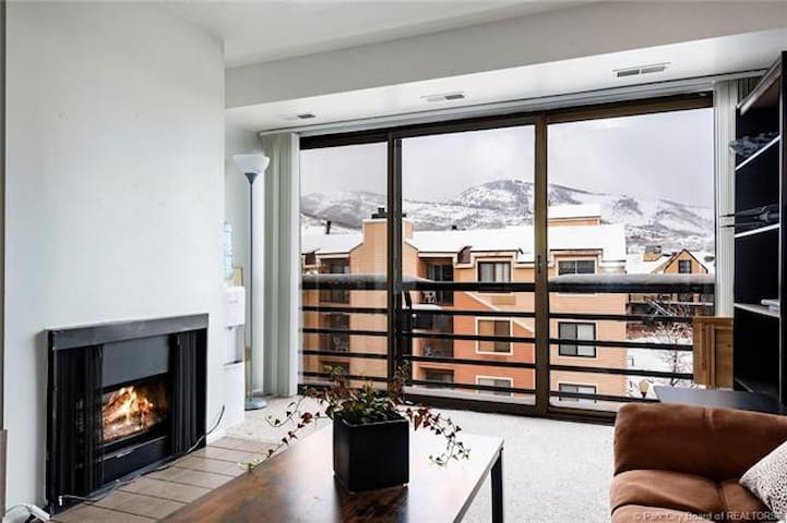 POWDER RUN 2/2 Ski Chalet in Heart of Park City