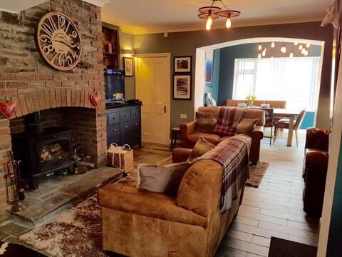 The Lodge Troedyrhiw. Brecon beacons/BPW/Zip World