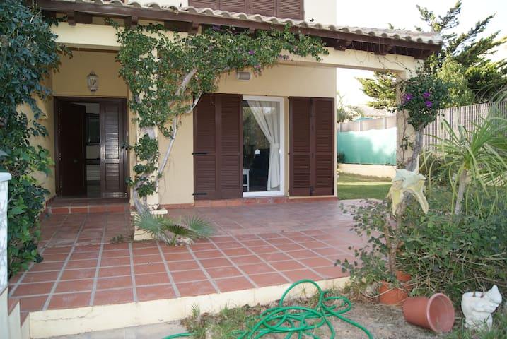Casa con jardín en La Manga del Mar Menor. - La Manga - Rumah