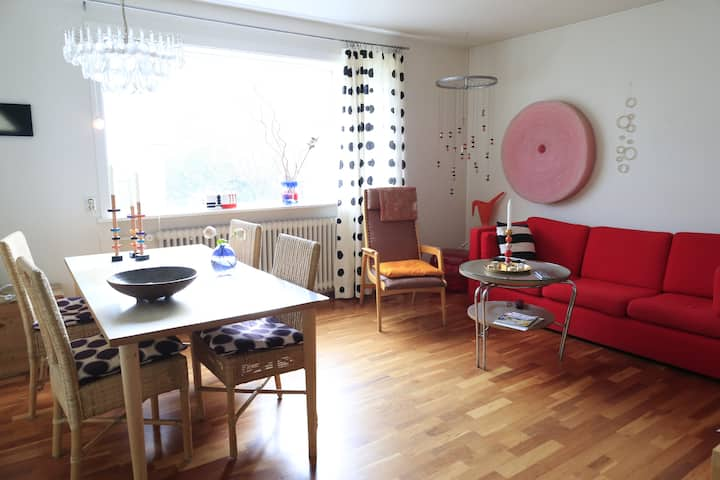 Stylish central apartment in friendly street