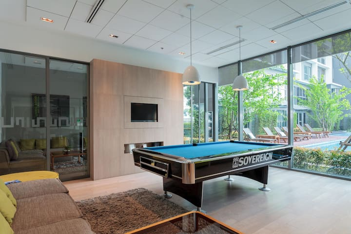 living room & game room on the 4th floor