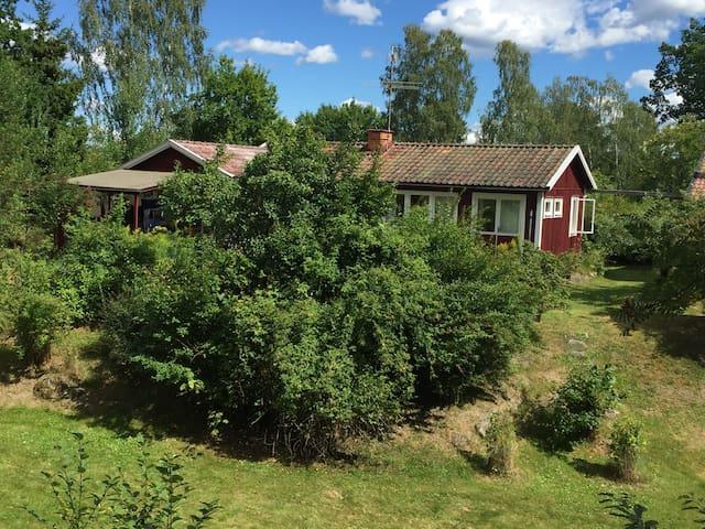 Lättillgängligt och trevligt hus - Trosa - Rumah