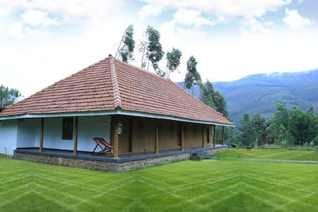 Kerala traditional home mostly made in wood - Munnar