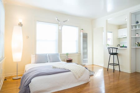 STEPS 2 SAND & EXTRA COMFORTABLE; * - Los Angeles - Appartement