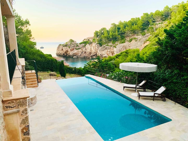 Luxury Sea View Villa own beach access Cala Deia