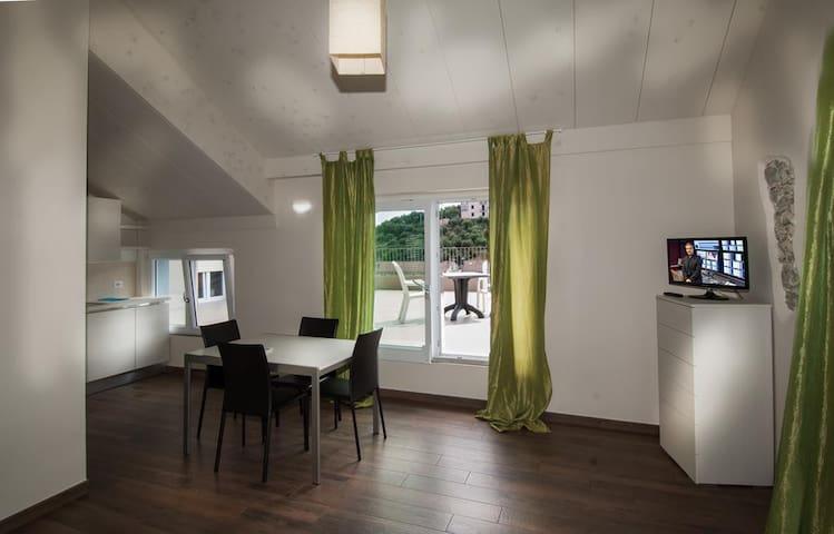 Bilocale con giardino - Celle Ligure - Appartement