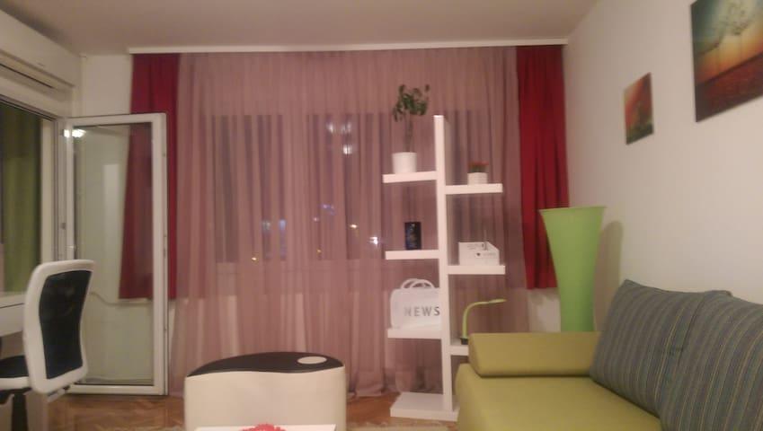 Zagreb, dvosobni apartman