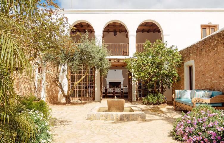 Ibiza Villa Oase mit Pool
