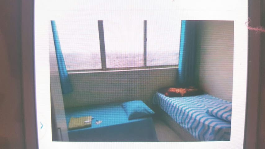 Apartment room close to Airport and Humber college