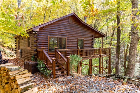 The Hideout Cabin - Fireplace, Fire Pit, Hot Tub