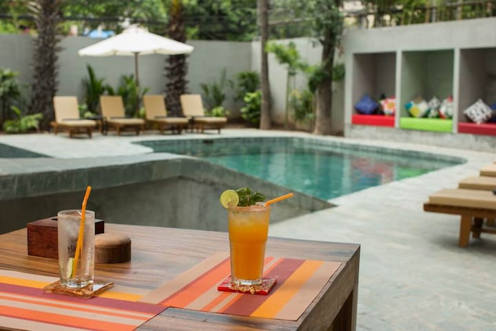 Nice Poolside Double Room in Phnom Penh
