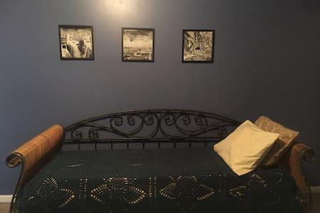 Single Room in Artist Loft Downtown - Cape Girardeau - Loft