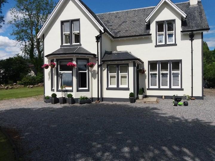 Hawthorn Villa - homely accommodation