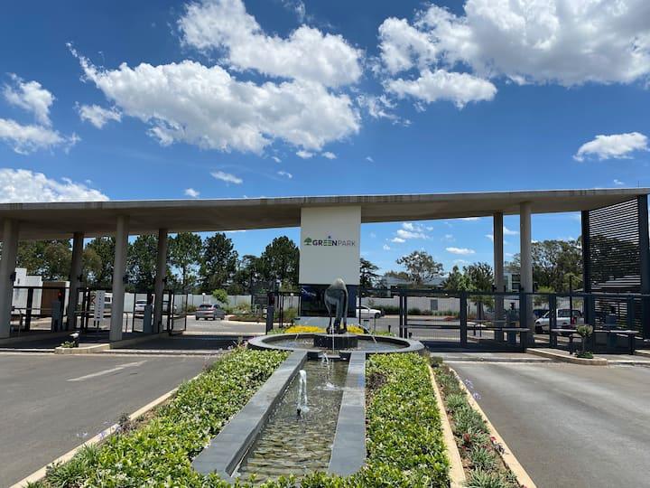 Greenpark: 9km from OR Tambo international Airport