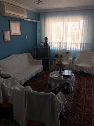 Cosy flat in Fahrettin Altay - Karabağlar - Huis