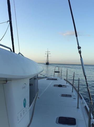 Espectacular catamarán para alojarse y navegar