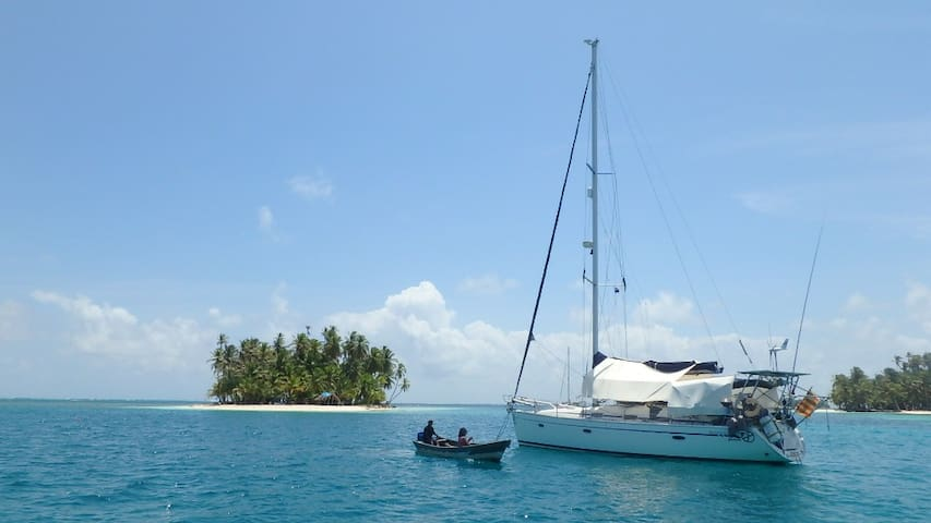 SAN BLAS IN SAILBOAT