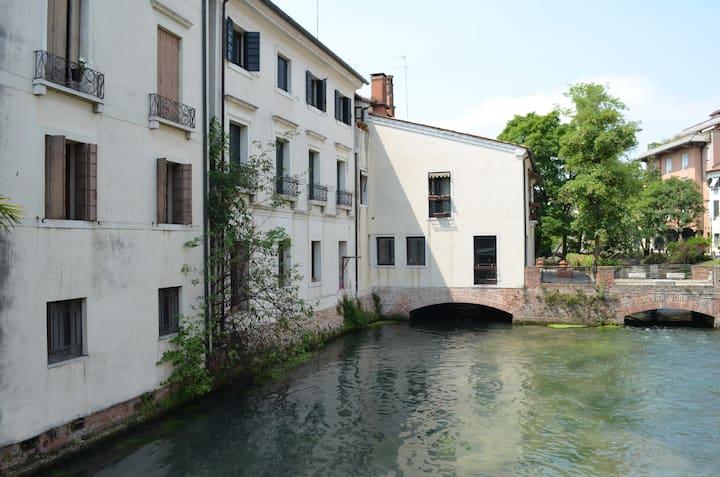 Colorful Flat in Treviso, Quartiere Latino