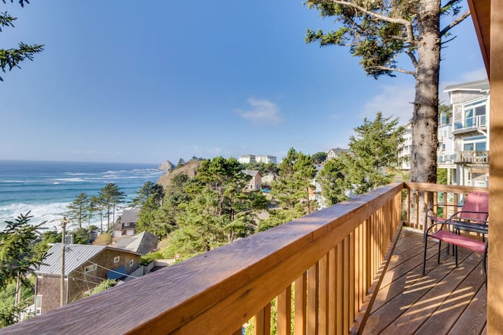 Perfect oceanside getaway w/magnificent ocean views & beach nearby