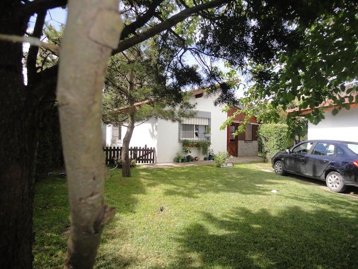 Villa Gesell  Edelmar Coqueta casa para 3 pnas