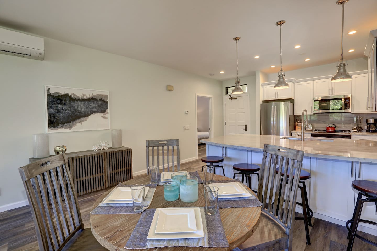 Top 10 Best Bed and Breakfasts in Maui featured by Hawaii blog, Hawaii Travel with Kids: HGTV Inspired Remodel! Ocean View & min. to beach!