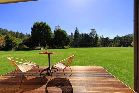 Kenepuru Cottage - Mount Richmond Estate