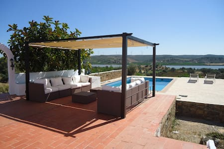 On the Guadiana, peaceful, spacious location - Castro Marim