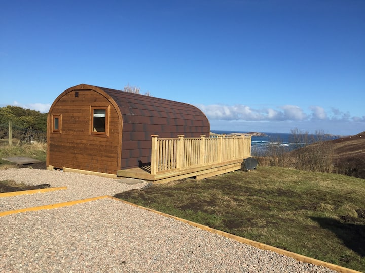 The Elfie Logpod - quiet with sea views near NC500