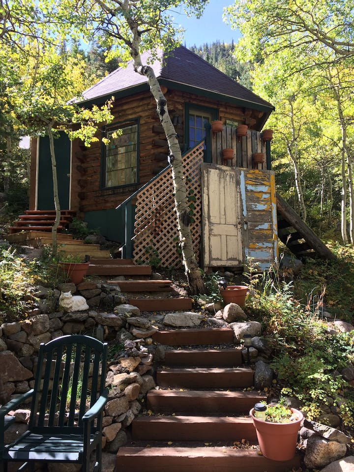 """""""The Treehouse"""" Camping Cabin/Ski Hut -  Drive in!"""