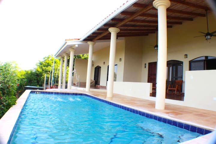 Casa Bacilon Rental Villa
