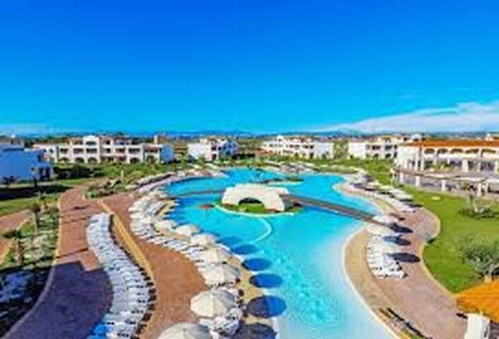 Resort 4 stelle mare cristallino