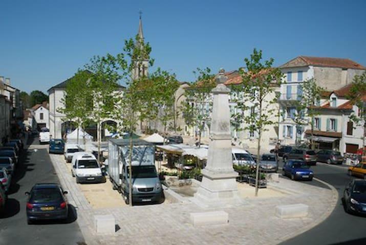 Le village de Verteillac