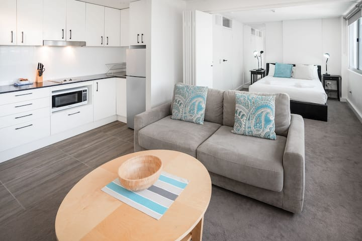 Small One Bedroom  Apartment  Manly Beach