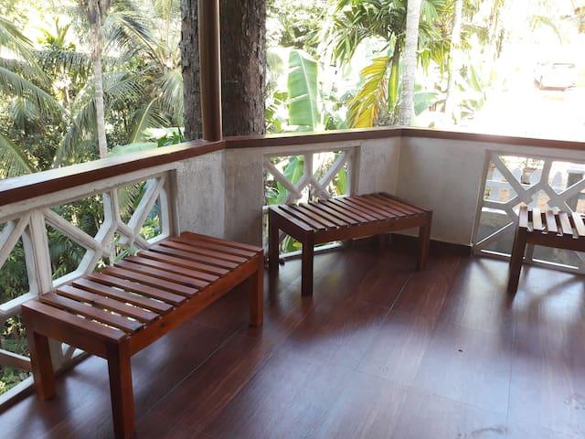 Homestay  Peradeniya- Kandy - Peradeniya - Casa